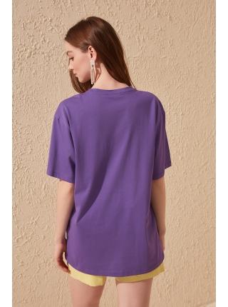 Фиолетовая женская футболка длинной формы