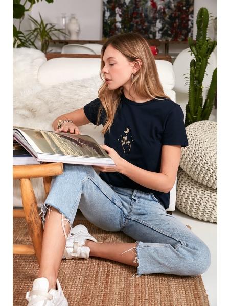 Женская футболка темно-синего цвета из чистого хлопка