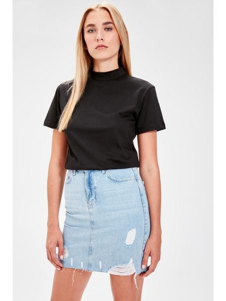 Черная женская футболка из чистого хлопка