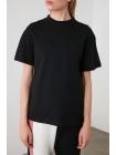 Qadın üçün dik yaxalı T-shirt futbolka