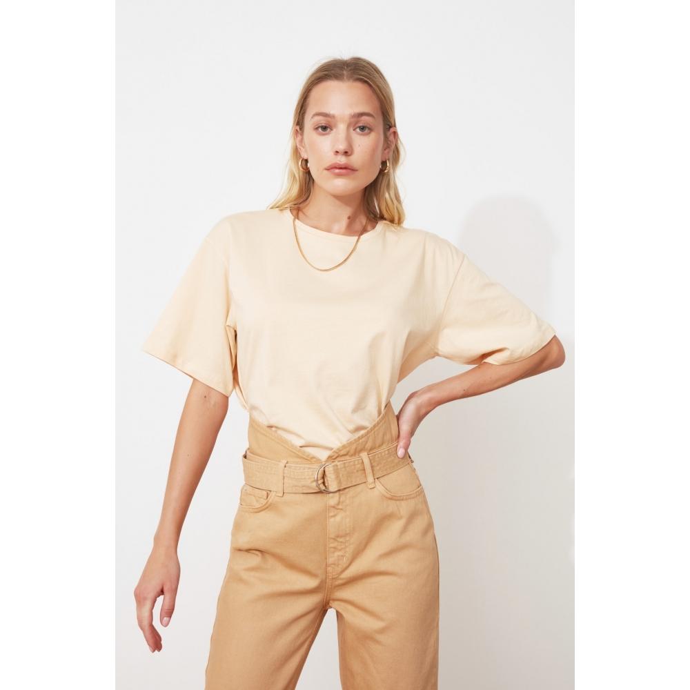 Женская футболка кремового цвета длинной формы