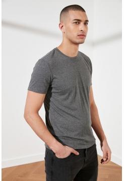 Обтягивающая футболка для парня серого цвета