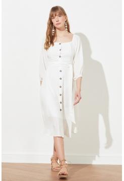 Женское белое миди платье с пуговицами и длинными рукавами