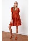 Женское мини платье оранжевого цвета из полиэстера с короткими рукавами