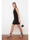 Женское черное мини платье Trendyolmilla без рукавов с круглым воротником