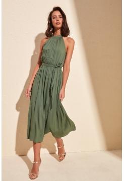 Женское платье миди формы цвета хаки с поясом и без рукавов