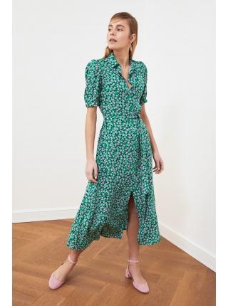 Зеленое платье с ремнем Trendyolmilla длинной формы