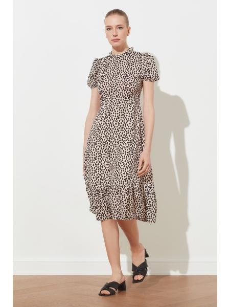 Женское платье Trendyolmilla бежевого цвета с точками