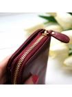 Небольшой женский кошелек красного цвета