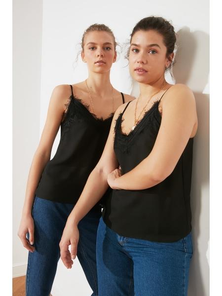 Qadın üçün dantelli qara bluz