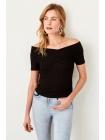 Karmen yaxalı qara Trendyolmilla qadın bluzu