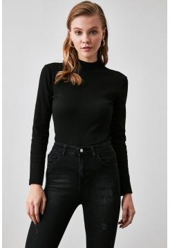 Женская трикотажная блузка черного цвета из вискозы