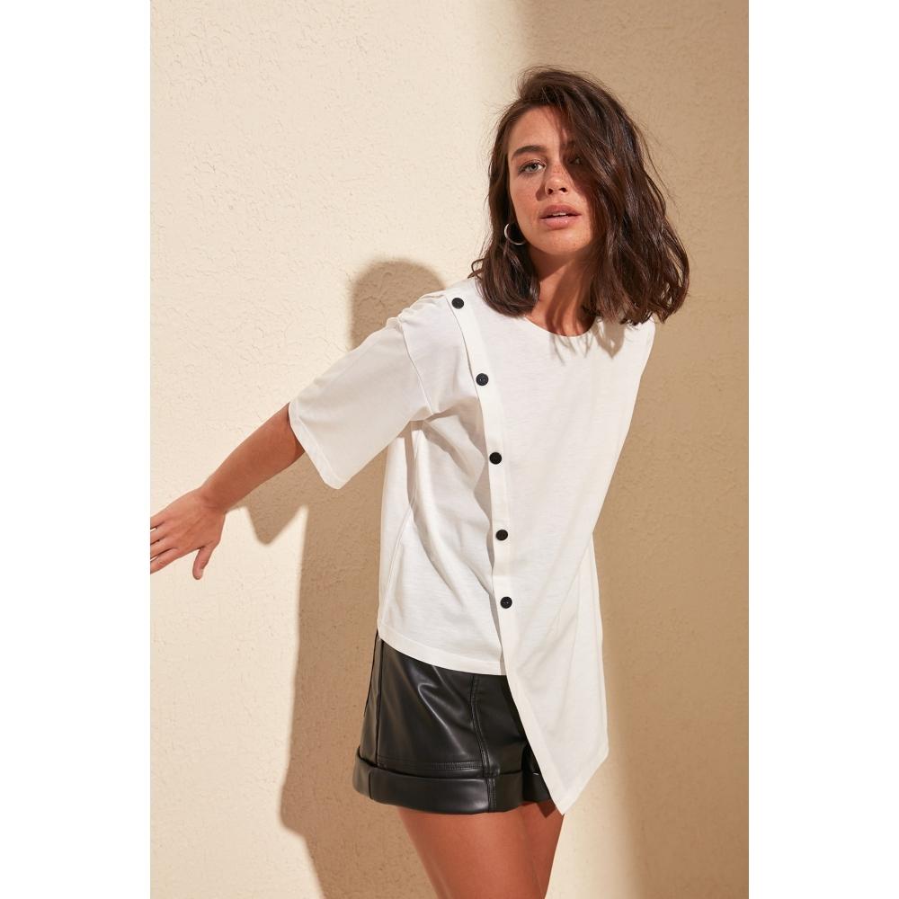 Блузка на пуговицах белого цвета из чистого хлопка