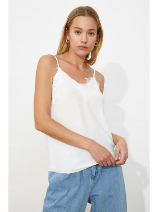 Dantelli askılı ağ Trendyolmilla qadın bluzu
