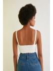 Суперкороткая блузка для девушек белого цвета